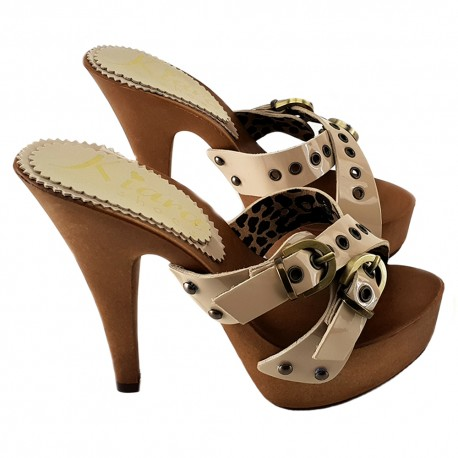 BEIGE PATENT LEATHER CLOGS
