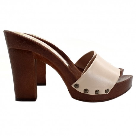 LEATHER BEIGE CLOGS