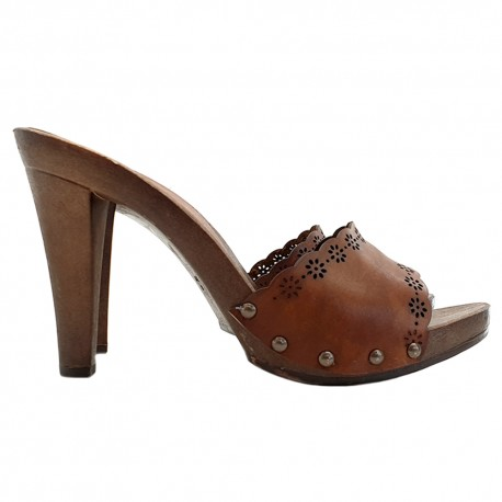 LASERED LEATHER CLOG