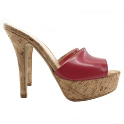 RED SANDAL WITH CORK EFFECT