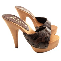 CLOGS WITH BROWN PYTHON UPPER