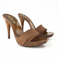 BROWN HEEL CLOG 12