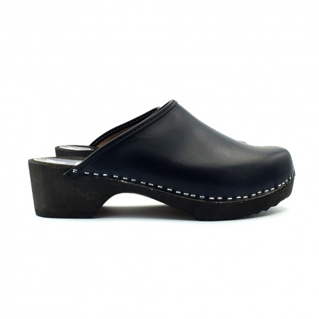 BLACK LEATHER SWEDISH CLOGS IN WOOD