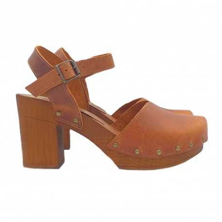 BROWN CLOGS WITH ANKLE STRAP HEEL 8.5