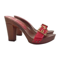 RED CLOGS IN LEATHER WITH BUCKLE