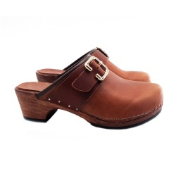 BROWN LEATHER CLOGS WITH BUCKLE