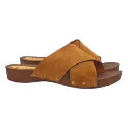 FLAT CLOGS IN BROWN SUEDE