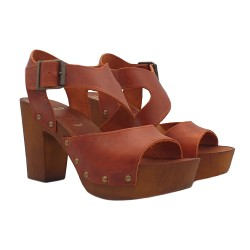 BROWN CLOGS IN LEATHER AND COMFY HEEL 9