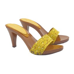 YELLOW CLOGS SPRING HEEL 9