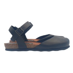 FLAT SANDALS BLACK IN LEATHER