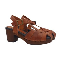 CLOGS BROWN COLOURED IN LEATHER HEEL 7