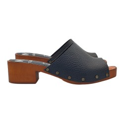 SWEDISH CLOGS IN BLACK LEATHER