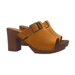 YELLOW CLOGS IN LEATHER WITH BOUCLE
