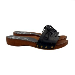 FLAT SLIPPERS BLACK IN LEATHER