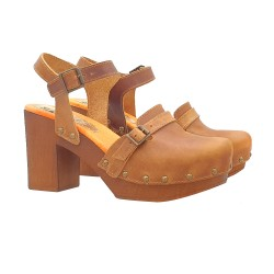 DUTCH CLOGS IN BROWN LEATHER WITH STRAP