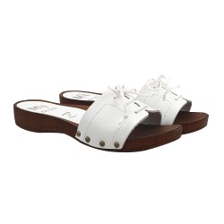LOW COMFORTABLE CLOGS IN WHITE LEATHER