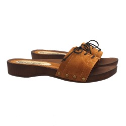 COMFORTABLE CLOGS IN LEATHER SUEDE